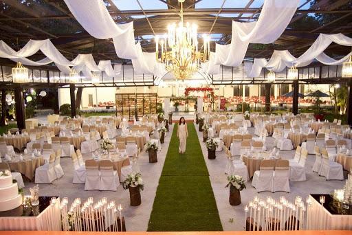 nhà hàng tổ chức gala dinner